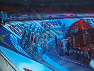 Six-day racing track cycling event that competes over six days