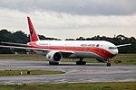 777-300ER TAAG SBGR (32265334683).jpg