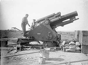 Battle of Guillemont - Image: 9.2 inch howitzer Carnoy Valley September 1916 IWM Q 1294