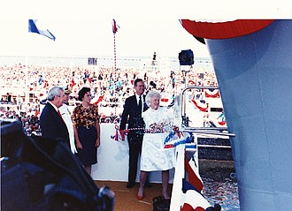 USS George Washington (CVN-73) - Barbara Bush christens USS George Washington on July 21, 1990 at Newport News Shipbuilding as President George H.W. Bush watches.