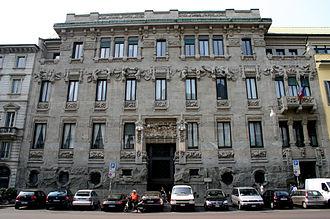 Villas and palaces in Milan - The Palazzo Castiglioni.