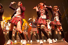 AKB48 vystupuje na Japan Expo 2009 ve Francii