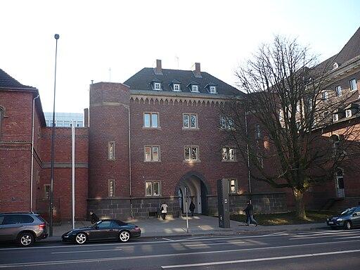 Aachen Gericht Adalbertsteinweg, Torbau
