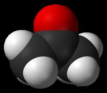 Kulista struktura cząsteczki.  Jego szkieletem jest zygzakowaty łańcuch trzech atomów węgla połączonych w środku z atomem tlenu, a na końcu z 6 wodorami.