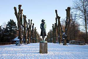 Søndermarken - The Oehlenschläger statue on a winter's day