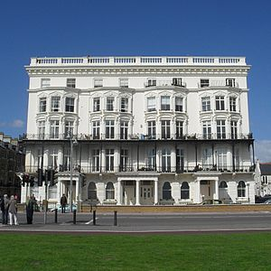 Grade II listed buildings in Brighton and Hove: A–B - Image: Adelaide Mansions, Kingsway, Hove (Io E Code 365557)