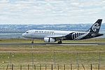 Air New Zealand Airbus A320-232 ZK-OJD NZ 820 SYD-ROT app - land ROT (15845141744).jpg