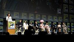 Aisha Tyler, Eddie Redmayne, Claudia Kim, Zoë Kravitz, Callum Turner, Ezra Miller, Alison Sudol, Dan Fogler, Katherine Waterston & Jude Law (43001995914).jpg