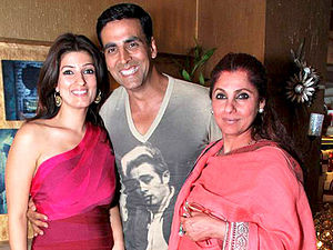 Dimple Kapadia - Kapadia (right) with her daughter Twinkle Khanna and her son-in-law Akshay Kumar.