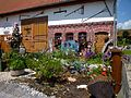 Alleshausen - Vorgarten eines Bauernhauses.jpg