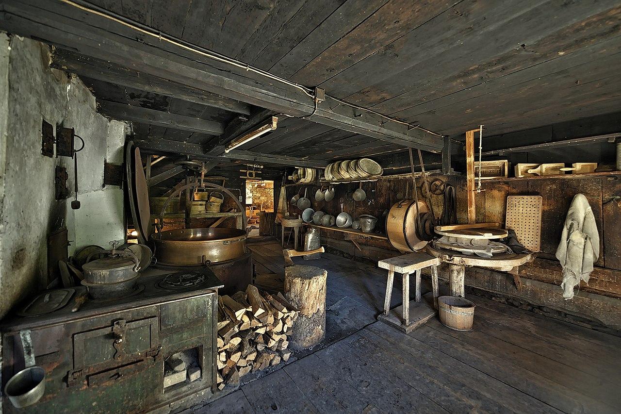 Antigua factoría de productos lácteos en las montañas de Schröcken
