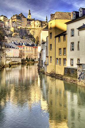 Alzette River winding through Grund, Luxembourg.jpg