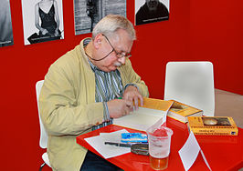Andrzej Sapkowski op de Book World Fair in Praag in 2010.