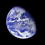 Apollo 8 Image of the Earth (AS08-16-2596).jpg
