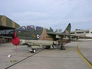 Araxos 156790 LTV TA-7C Corsair II 335º Mira.jpg