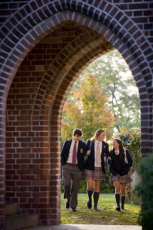 Trinity College School - Image: Archway Students
