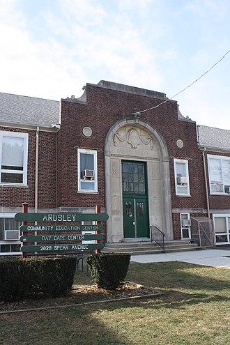 Ardsley, Pennsylvania - Image: Ardsley Community Center, PA 02