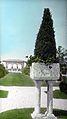 Armor Estate, Forest, IL – Pompeian vase (5167691325).jpg