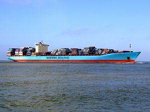Arthur Maersk pic04 approaching Port of Rotterdam, Holland 08-Mar-2007.jpg