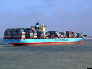 Arthur Maersk pic08 approaching Port of Rotterdam, Holland 08-Mar-2007.jpg