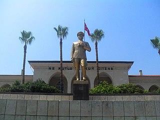 Atatürk Monument (Mersin) monument in Mersin, Turkey
