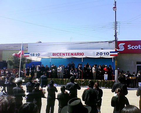 Authorities of Pichilemu, in the Parade main stage. Image: Diego Grez.
