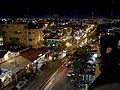 Avenida Yaxchilan at night in Cancun, Mexico.jpg