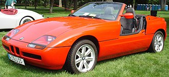 Sliding door (car) - A BMW Z1 with its doors open