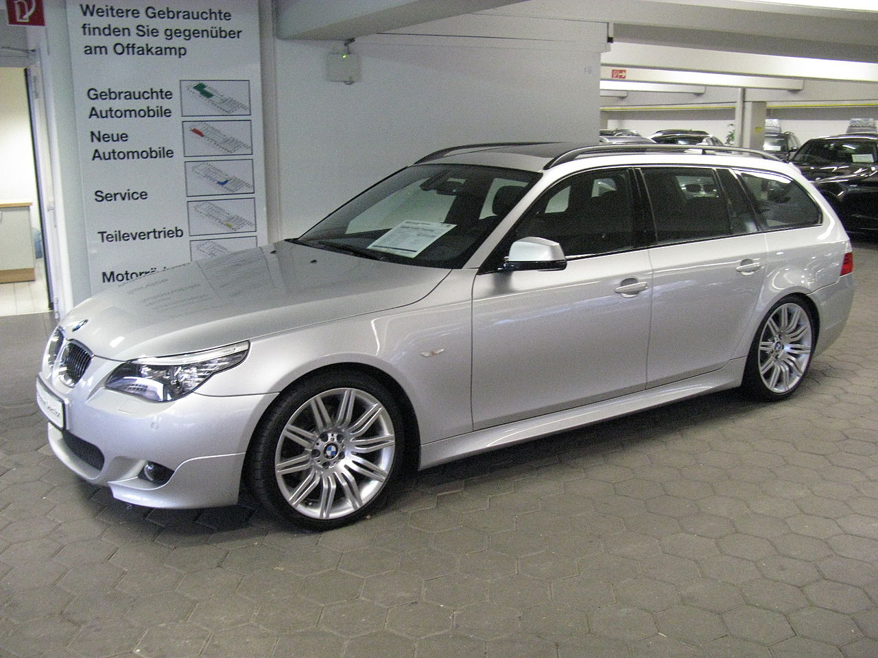 file bmw 530d touring m sport e61 6838218201 jpg wikimedia commons. Black Bedroom Furniture Sets. Home Design Ideas