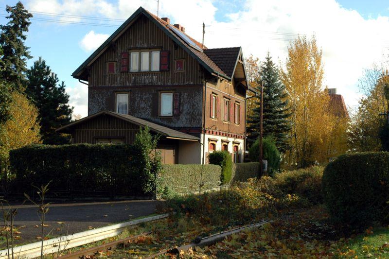 Estacion de real de Guglingen - Kit Faller 282707 800px-Bahnhof_Brackenheim_20061118