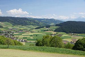 Konolfingen - Farm land around Ballenbüel, a village in the municipality
