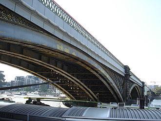 Battersea Railway Bridge - Battersea Railway Bridge