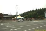 Bc rueckreise 028 swartz bay lands end cafe kluengelmarkt dahinter.png