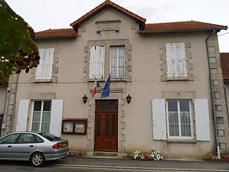 Benest - Town hall