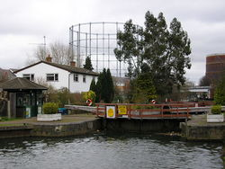 Blakes Lock, Reading - geograph.org.uk - 1200776.jpg