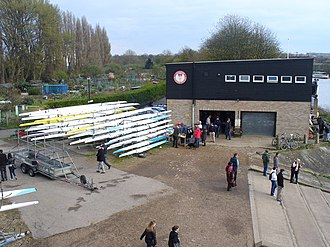 Tideway Scullers School - Image: Boathouse by Chiswick Bridge geograph.org.uk 1227651