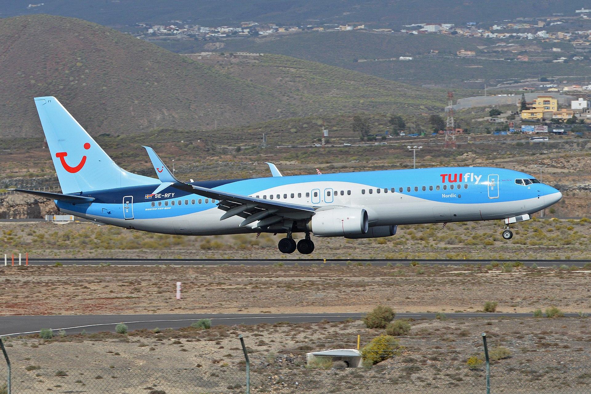 Boeing 737-8K5(w) 'SE-RFY' TUIfly Nordic (24754022171).jpg