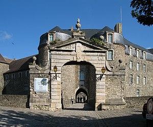 Château de Boulogne-sur-Mer - Another view of the entrance