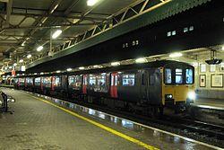 Bristol Temple Meads - FGW 150927 evening train to Great Malvern.jpg