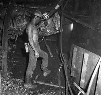Gastarbeiter - Italian Gastarbeiter working in the Coal-mines of western-Germany (1962)