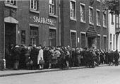 Queue in front of a bank in Essen