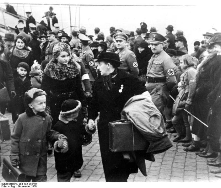 Soubor:Bundesarchiv Bild 183-C0707-0091-001, LPG Krensitz