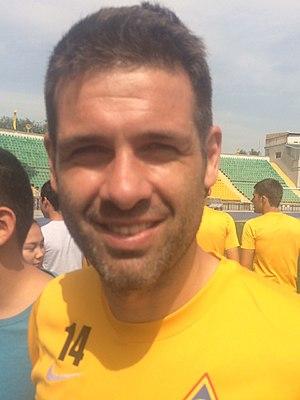 César Arzo
