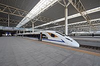 CRH3A-3087 EMU at Chengdu East Railway Station.jpg