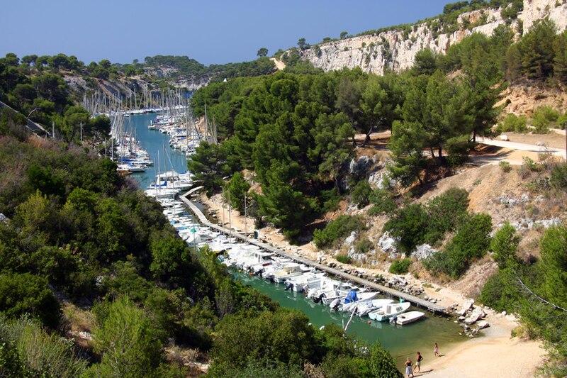 Fichier:Calanques Port-Miou.jpg