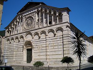 Carrara cathedral 6366.jpg