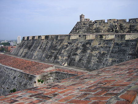 Castillo San Felipe de Barajas (Cartagena). This (then incomplete) fortress was integral to Spain's effort to maintain the link with its colonies via the Atlantic sea lanes. Cartagena - Fortaleza San Felipe de Barajas - 20050430bis.jpg