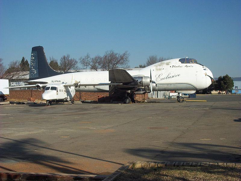 http://upload.wikimedia.org/wikipedia/commons/thumb/e/ec/Carvair_at_Rand_Airport.jpg/800px-Carvair_at_Rand_Airport.jpg