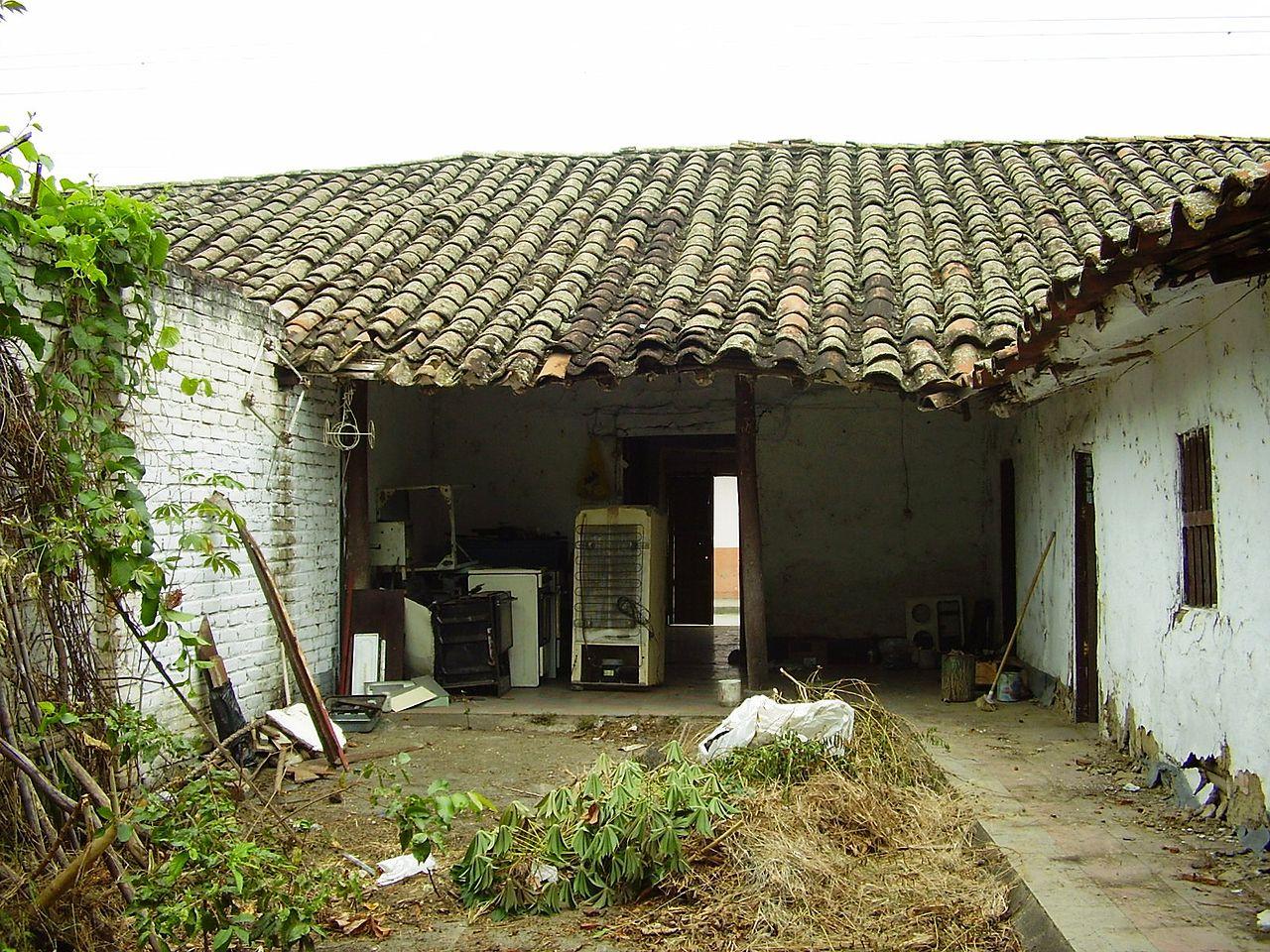 File casa colonial en bahareque manzana 074 el cerrito for Casa colombia