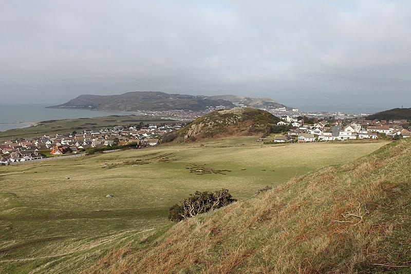 File:Castell Degannwy Deganwy Castle Sir Ddinbych Wales 22.JPG